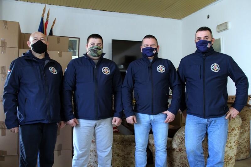 """UV5GBR """"Sokolovi"""" podijelili pakete potrebitima"""